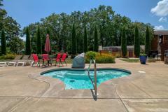 Lodges-at-Table-Rock-Lake-hot-tub-scaled